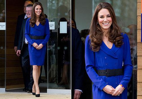 Sapato com vestido longo azul