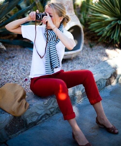 calça vermelha navy