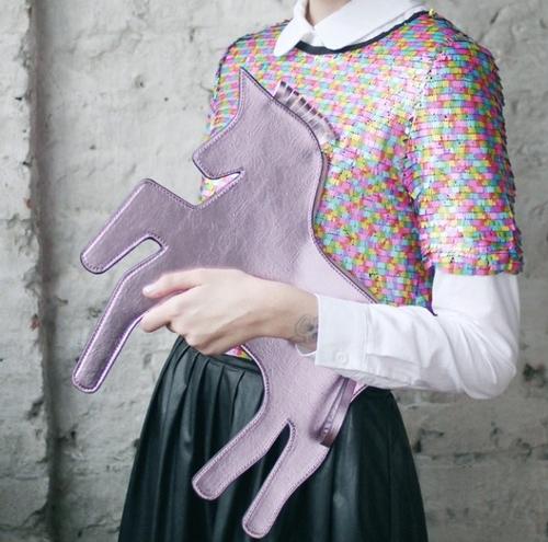 bolsa unicórnio lilás