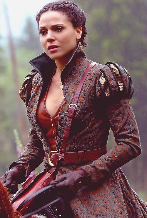 regina roupa montaria